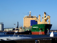 Shipping Australia Newcastle 20140111